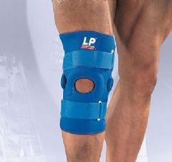 LP Supports Hinged knee support with vertical buttress 720